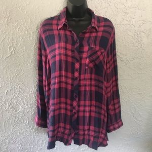 Beachlunchlounge checkered button down